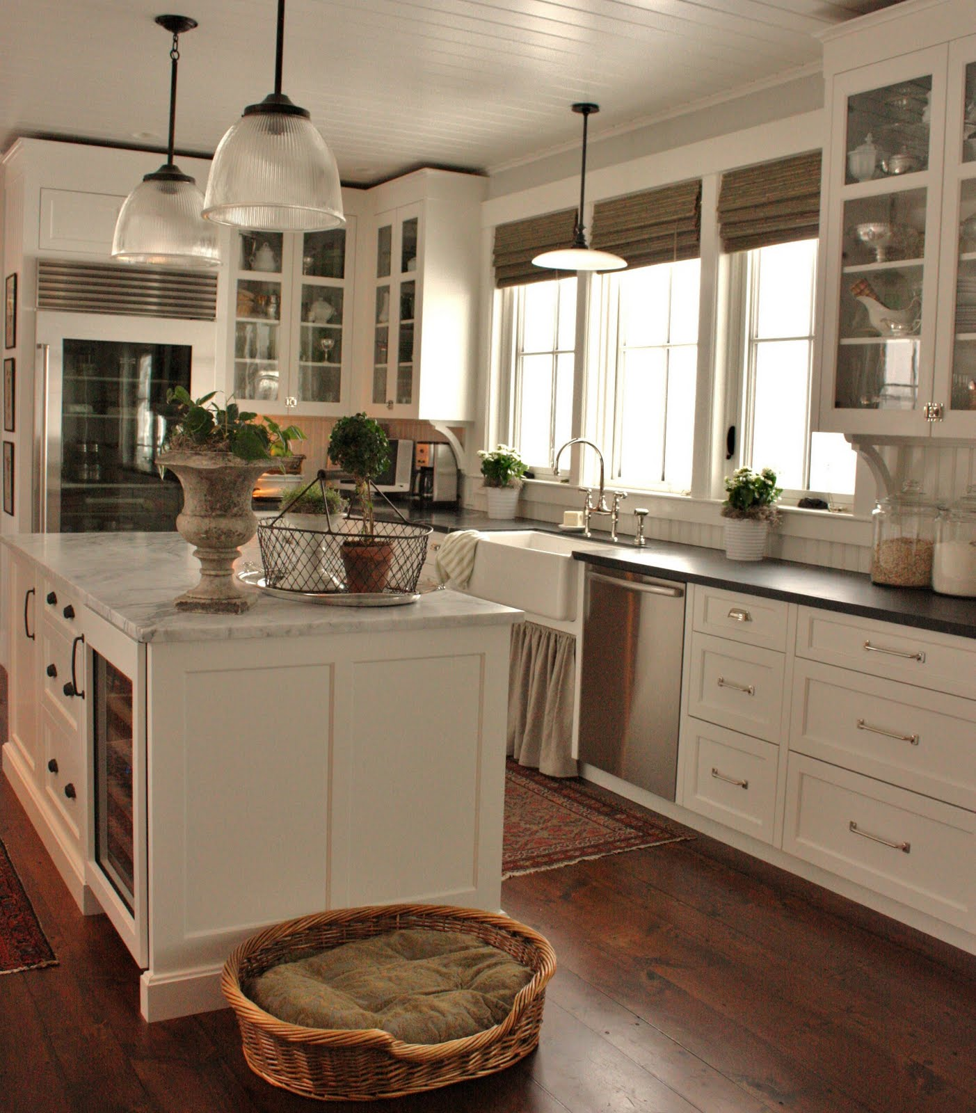 25 Stunning Farmhouse Kitchen Design Ideas