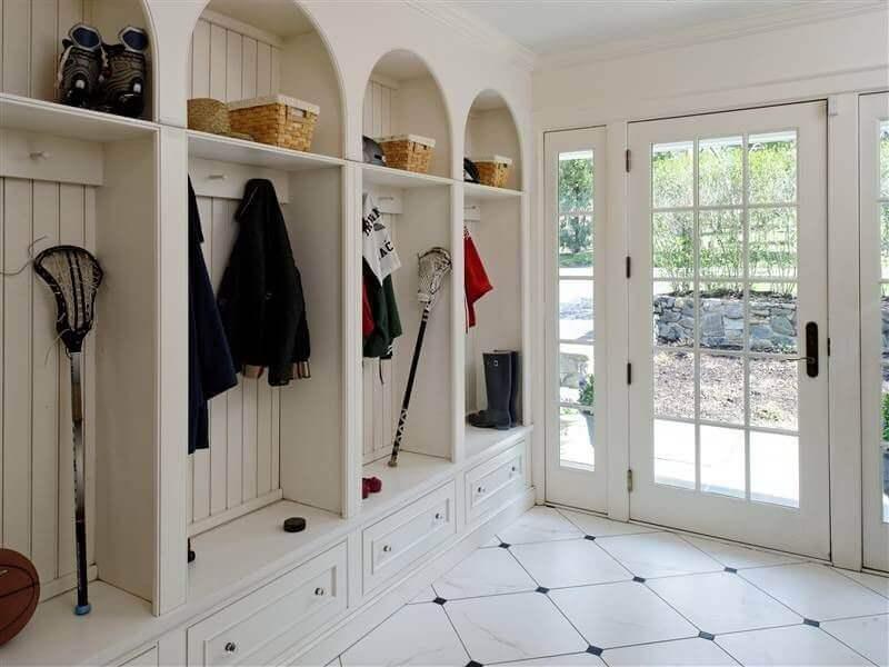 45 Superb Mudroom Entryway Design Ideas With Benches