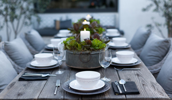 10 Tips For A Beautiful And Inviting Dining Table Set Up