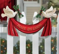 Attractive Christmas Home Decoratives | Home Designing