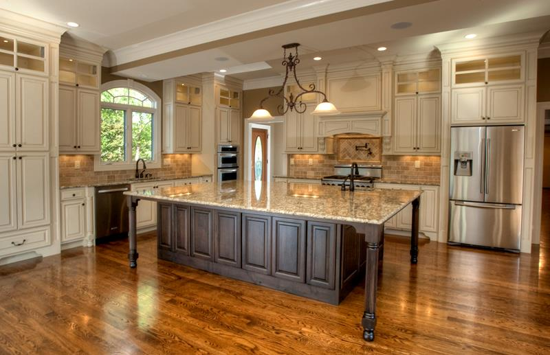 Kitchen Island With Rectangular Table Top And Storage 25 Elegant Kitchens With Hardwood Floors