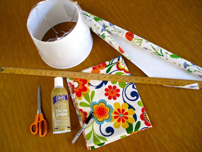 How To Make A Lamp Shade With Peek-A-Boo Flair : Homejelly