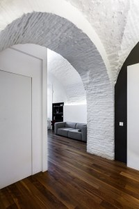 Ascetic Minimalist Apartment with Arched Ceilings ...