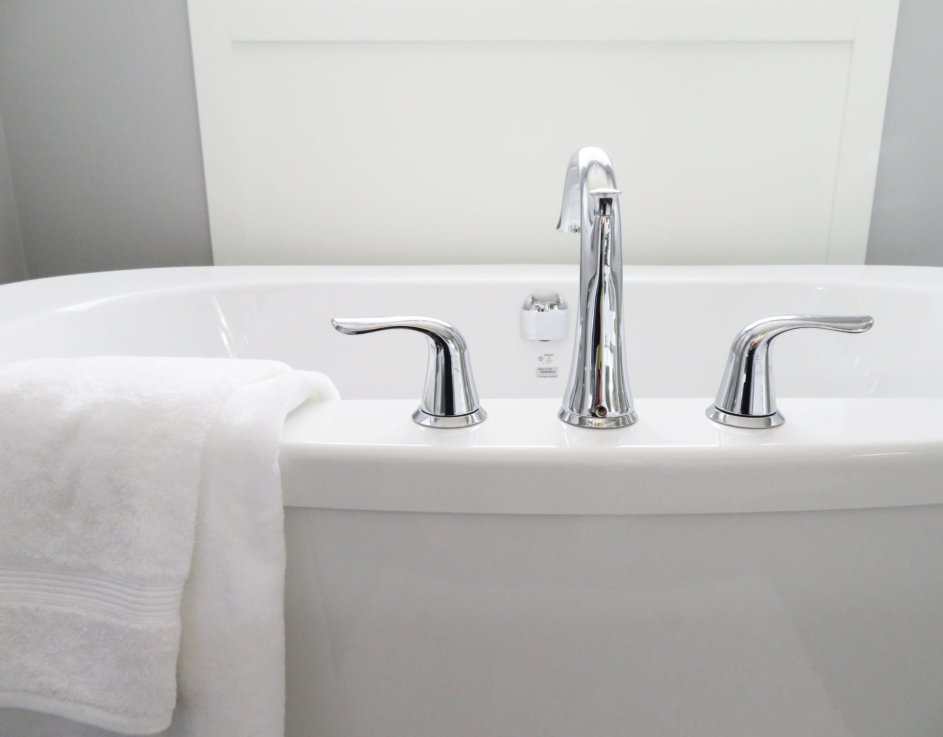 15 Cheap Bathroom Staging Ideas Inspired By 5 Star Hotels