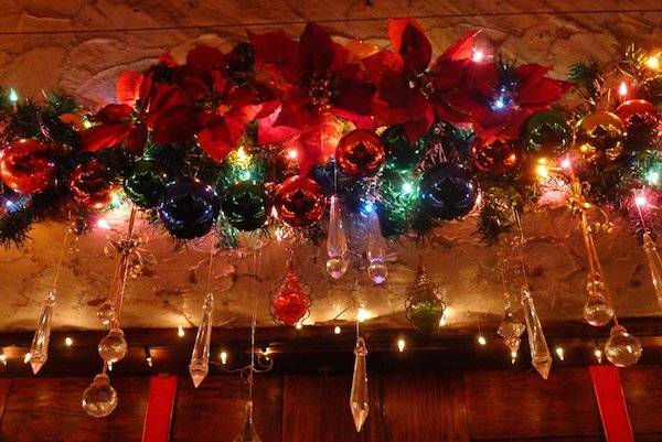 Homemade Parties Christmas House34