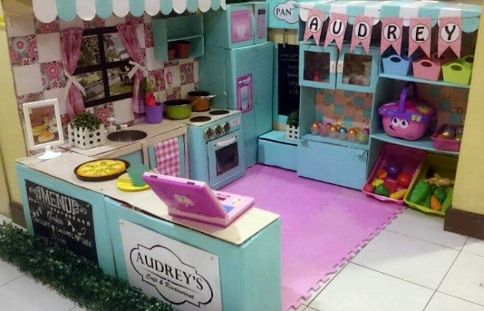 DIY Kitchen Play Area
