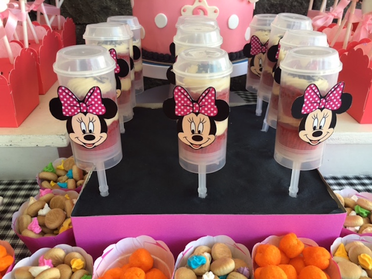 Homemade Parties DIY Party _Minnie Mouse Party Ina08