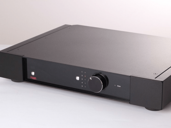 Rega Elex-R Integrated Amplifier Side 150dpi
