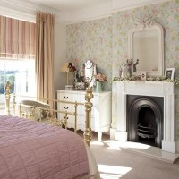floral-bedroom-ideas-with-fireplaces