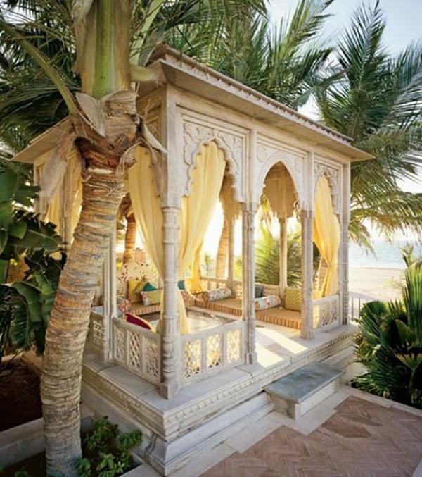 Bed Moroccan Patio beach-moroccan-house