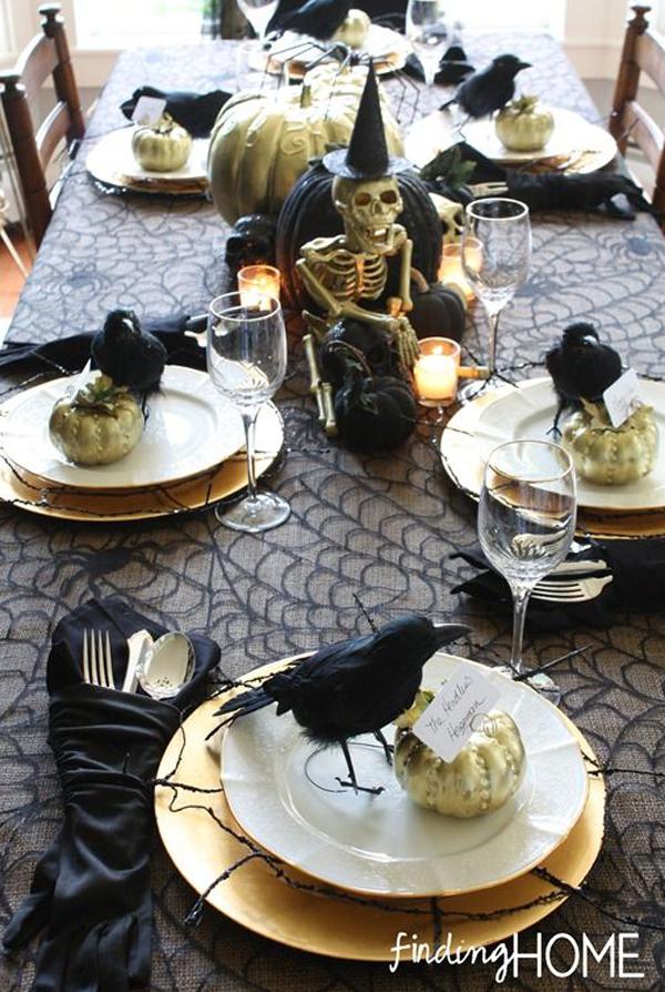 Dramatic Halloween Table Decor Ideas