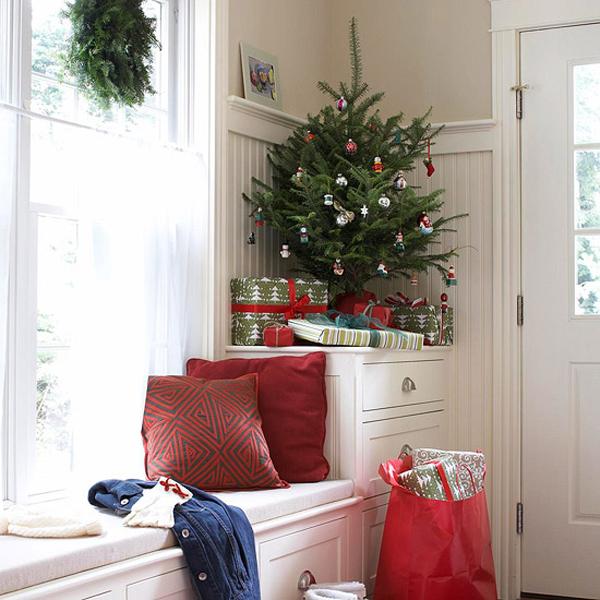 simple christmas tree decorating ideas handmade christmas tree small decorated christmas trees - Small Decorated Christmas Trees