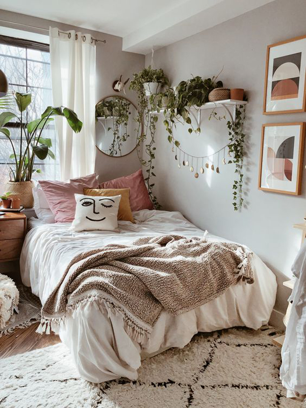 Rustic Boho Bedroom With Indoor Plants Homemydesign