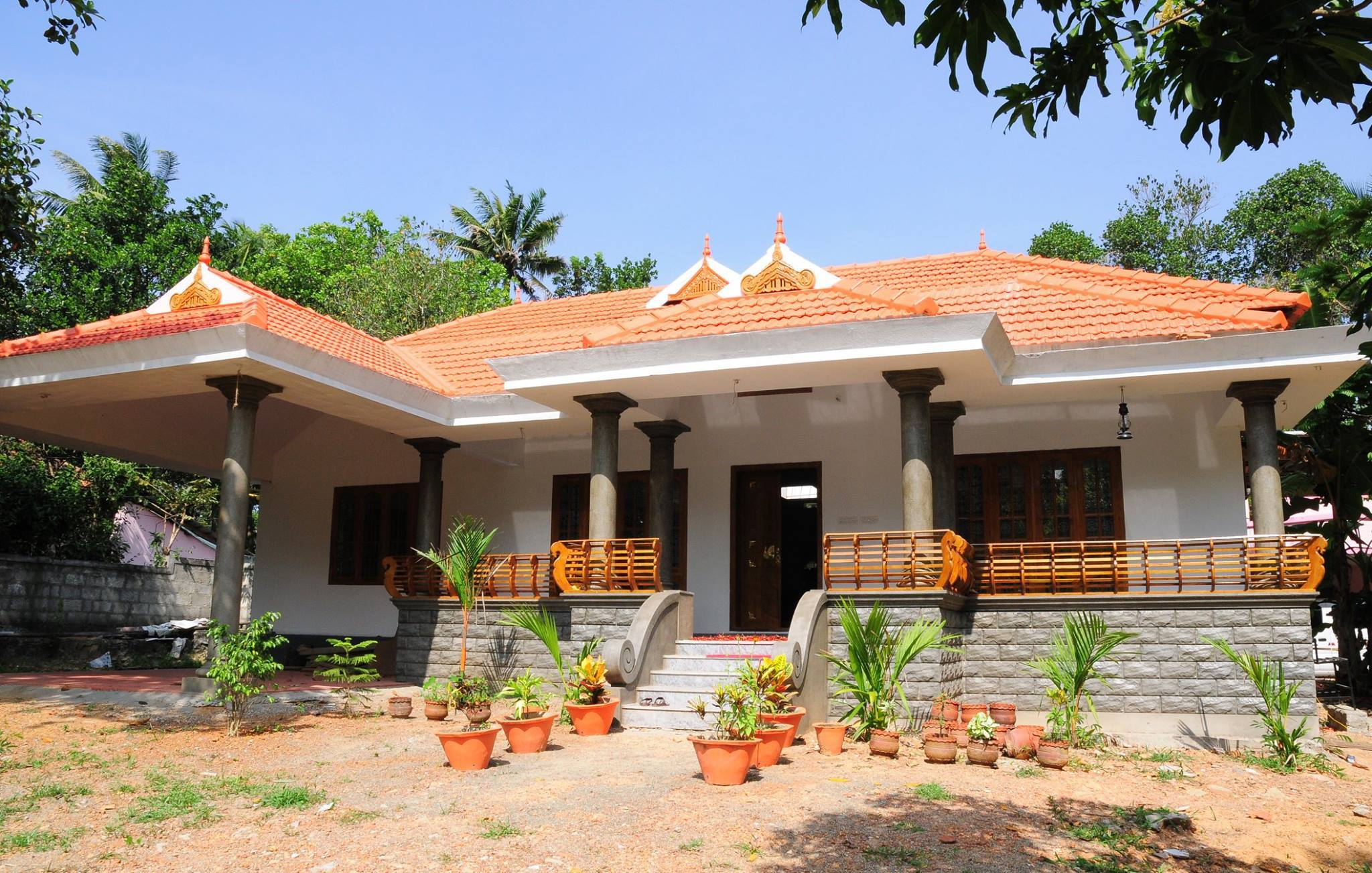 Traditional Home Designs Kerala Traditional Home Design With Poomukham Naalukettu