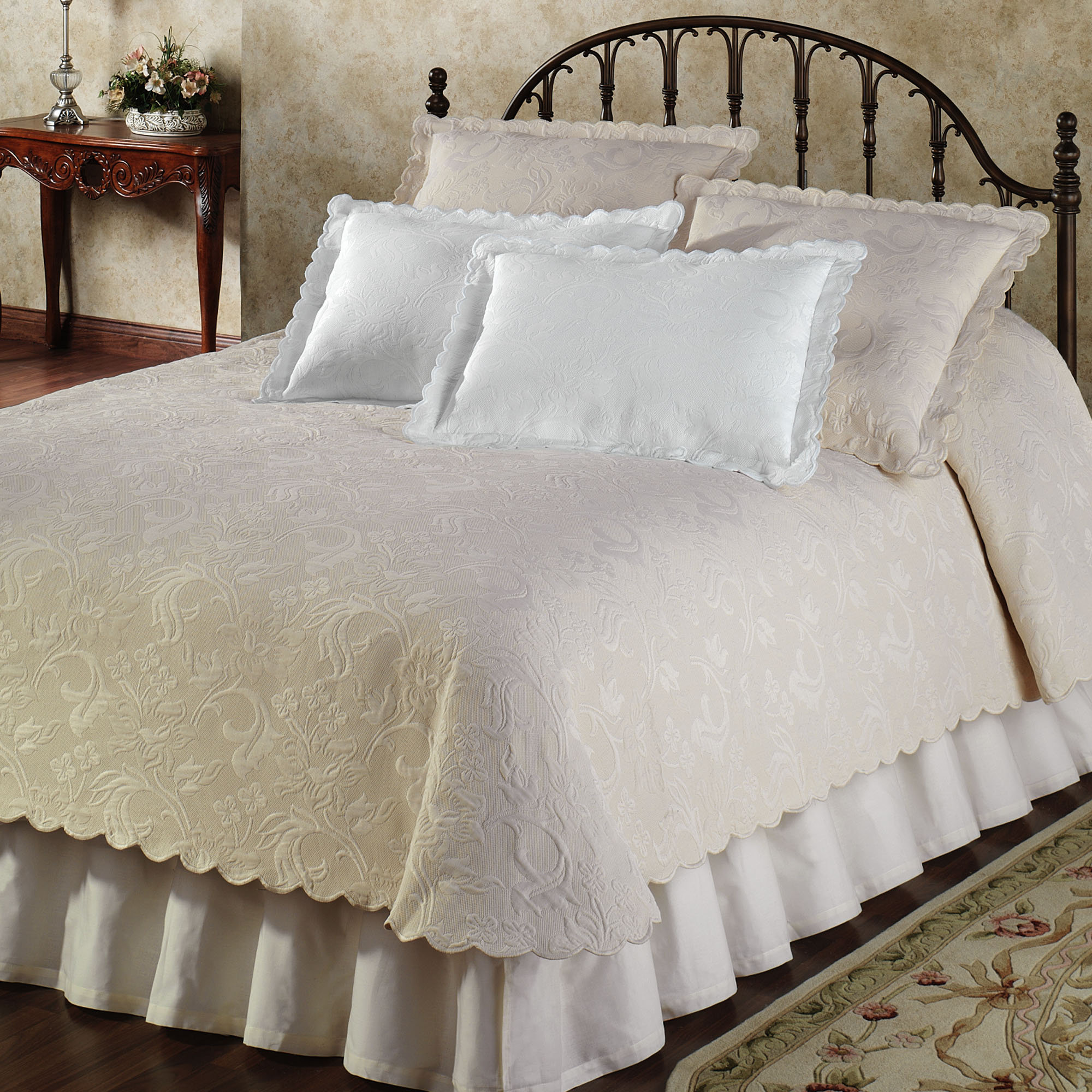 King Size Coverlet Australia Coverlet Vs Quilt What Is Significant Difference Homesfeed