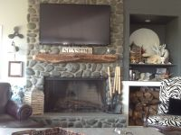 Driftwood Mantle to Add Rustic Accent | HomesFeed