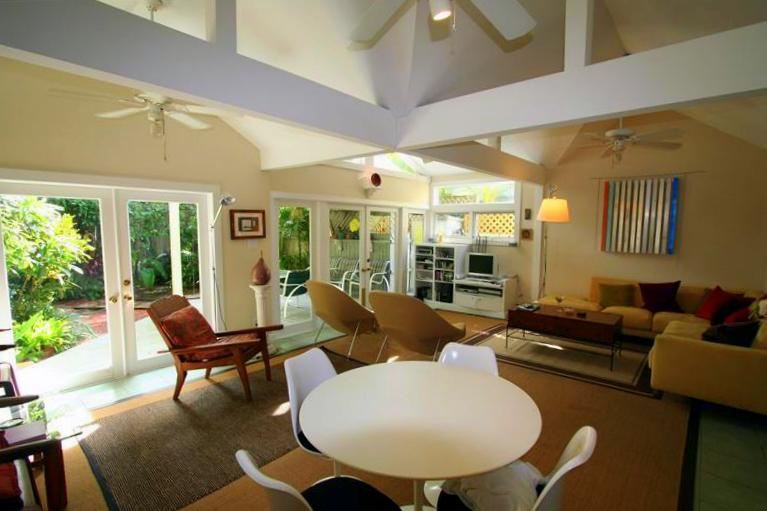 Key West Style Home Designs HomesFeed - key west style home decor