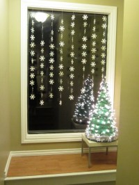 Christmas Window Decoration Ideas | HomesFeed