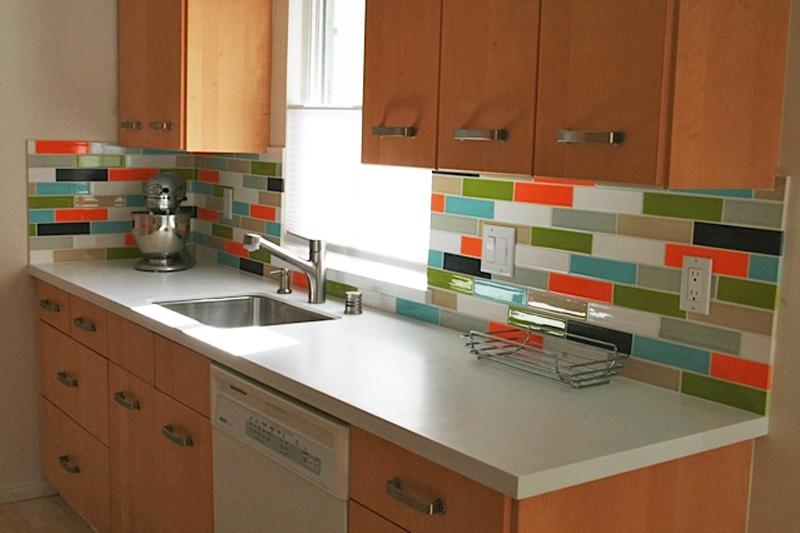 Colorful Backsplash Tiles for Kitchens