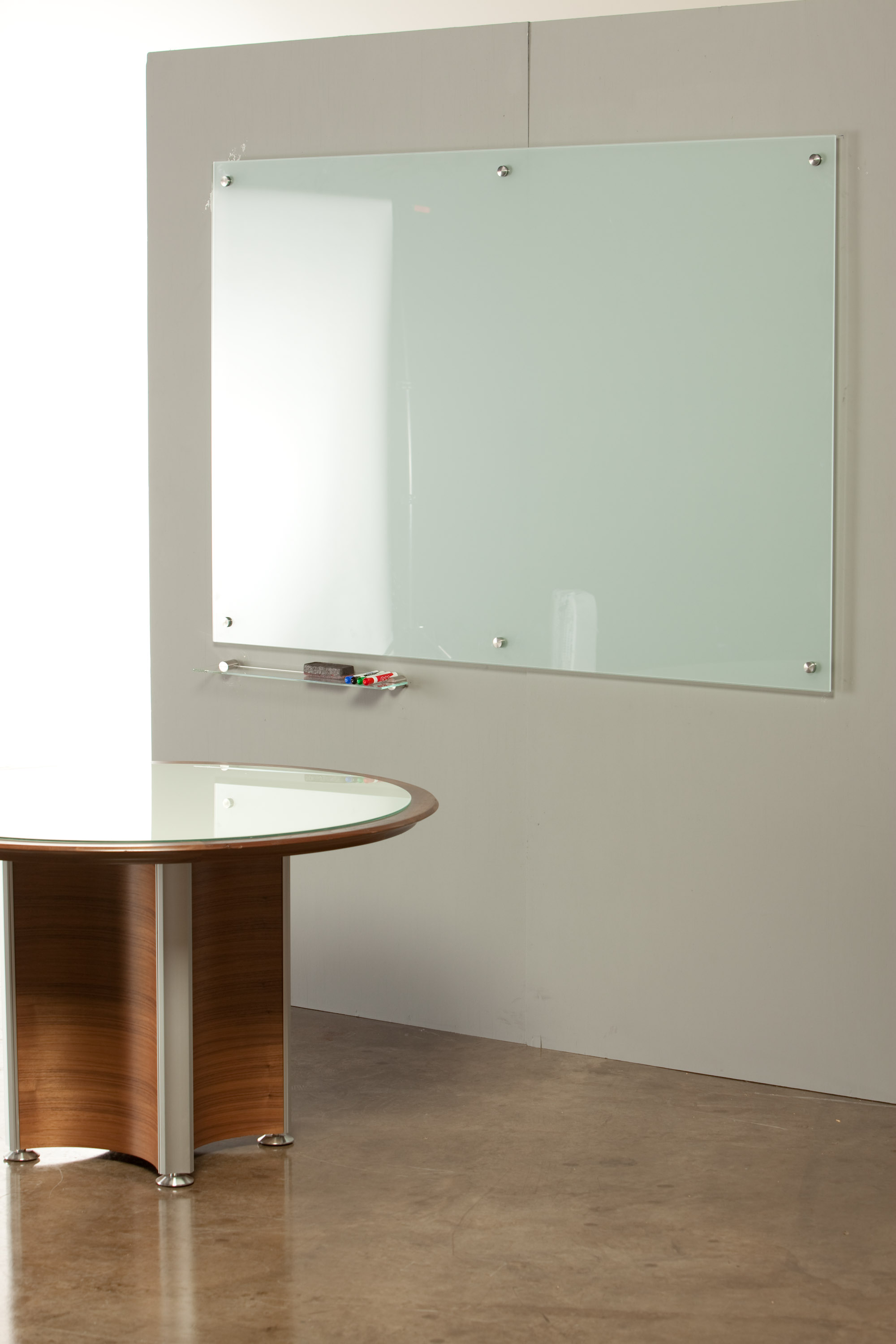 Whiteboard Glas How To Have Easy And Tidy Office With Glass Whiteboard Ikea With