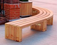 Curved Wooden Bench for Garden and Patio | HomesFeed