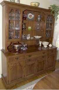 Wood Hutch Dining Room | HomesFeed