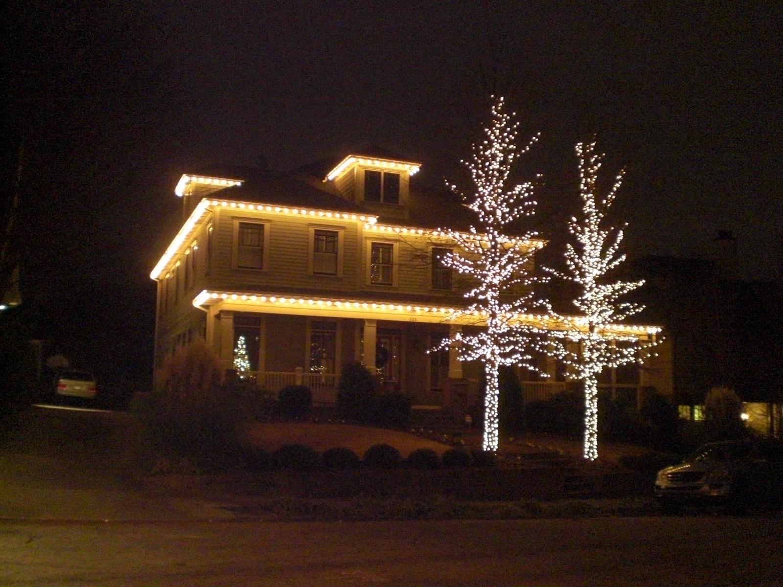 xmas lights outside house  Roselawnlutheran