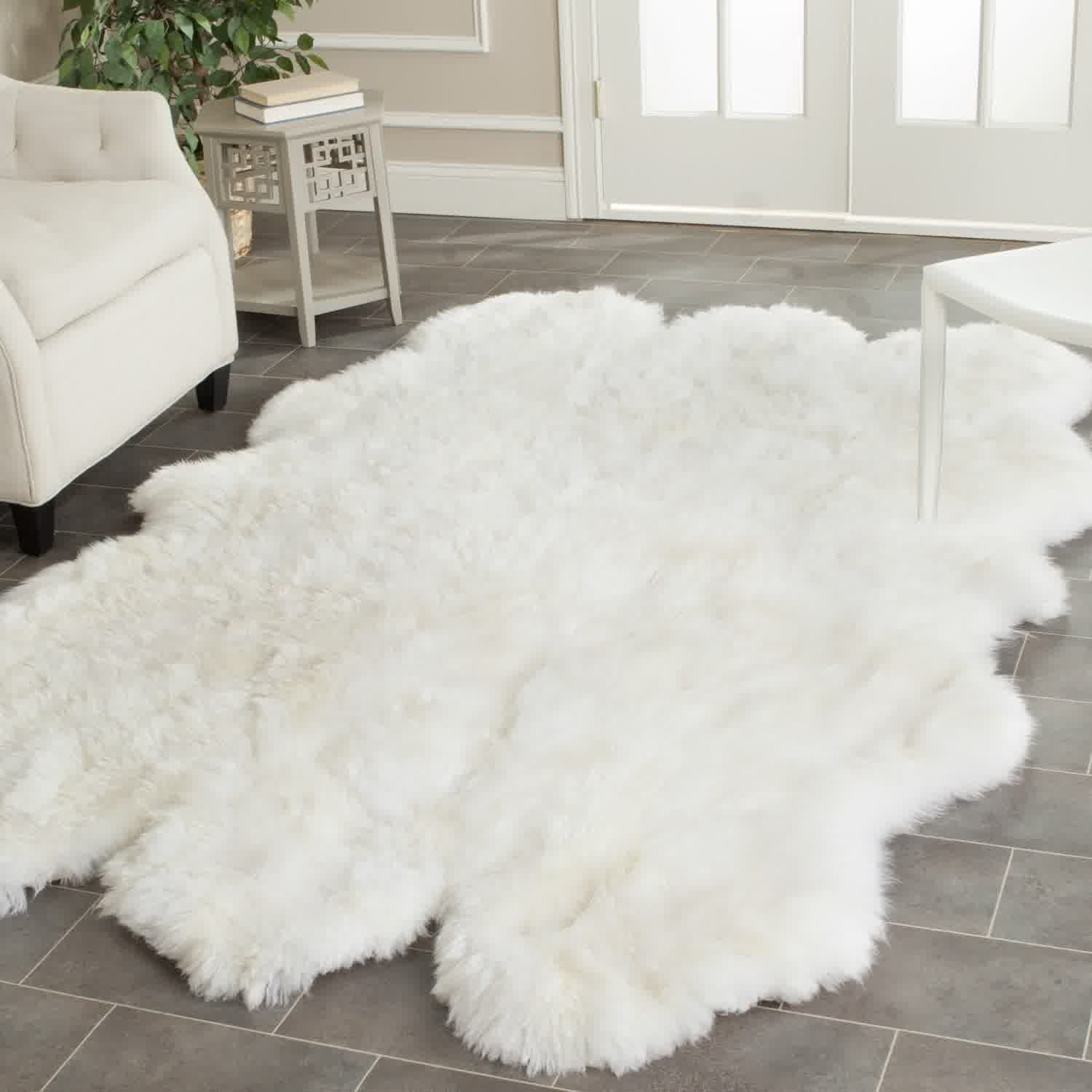 Schaffell Teppich Fluffy White Rug: A Small Floor Feature For Ultimate