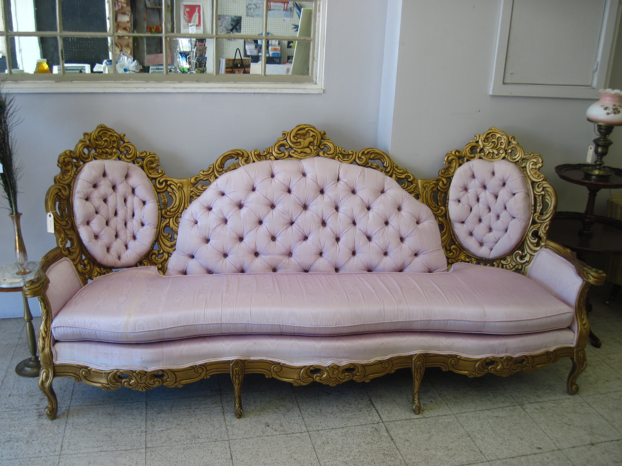 Sofa Queen Anne Have Queen Anne Couch For Luxurious Detail In Your House Homesfeed