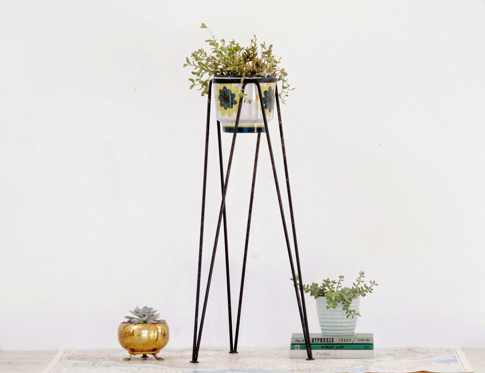 Green Metal Plant Stand Tall Plant Stands Decorative And Functional Tool For