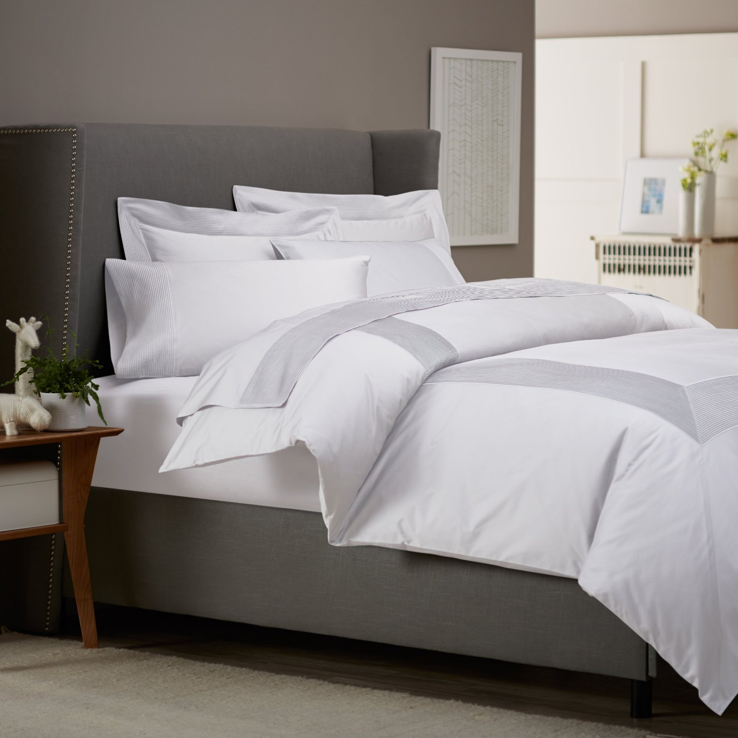 Modern Masculine Bedding Get Alluring Visage By Displaying A White Comforter Sets