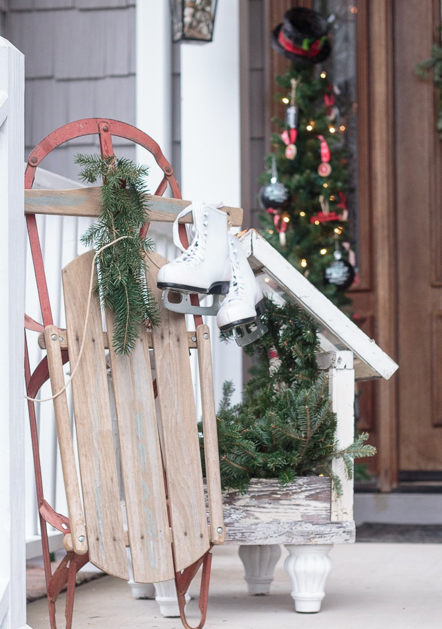 Vintage Style for Outdoor Christmas Decorations