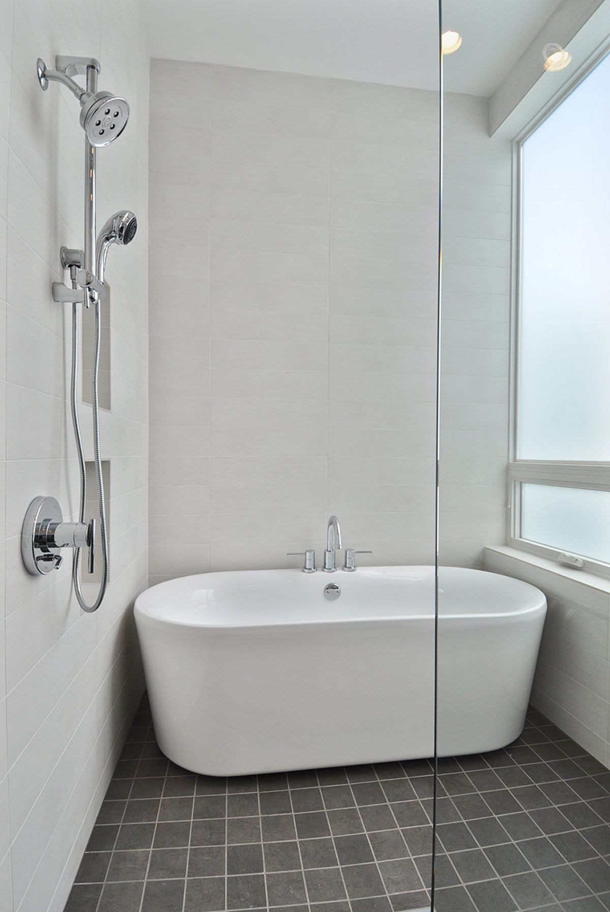 Shower In Bathroom Perfect Small Bathtubs With Shower Inspirations Homesfeed