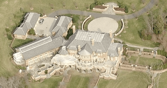 A Look At Some Mansions 21 Homes Of The Rich