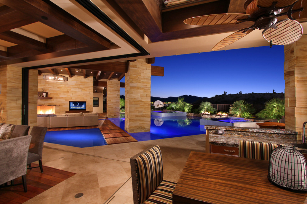Beach Fall Wallpaper Waters Edge A Stunning Contemporary Mansion In Las Vegas