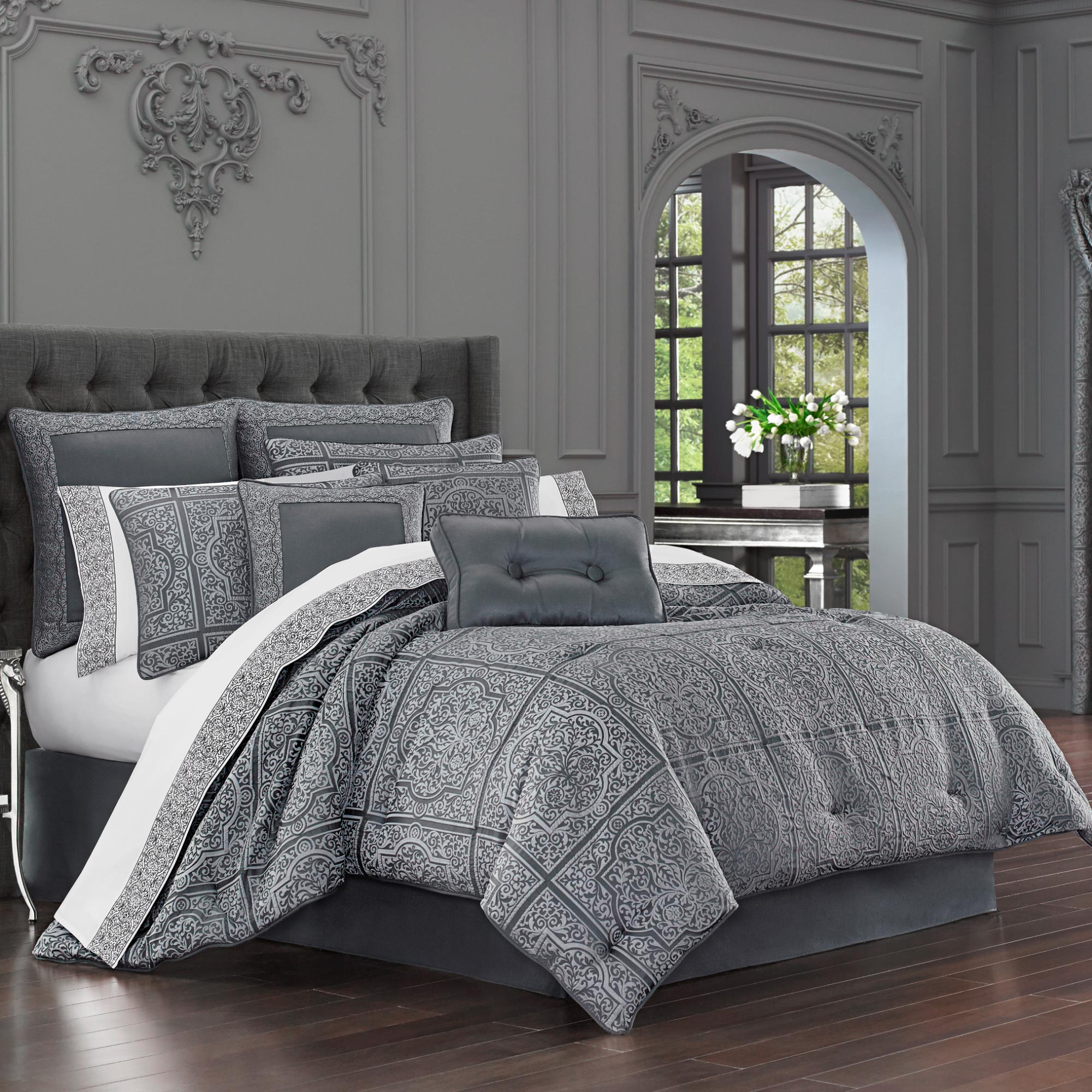 Charcoal Bedding Sets Rigoletto Charcoal Queen 4 Piece Comforter Set