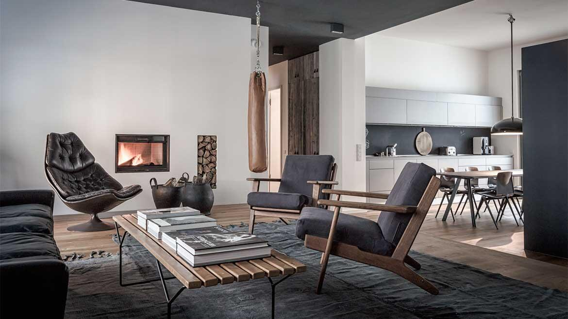 Modern Behang Woonkamer Edgy Luxury Apartment Equipped With Statement Furniture
