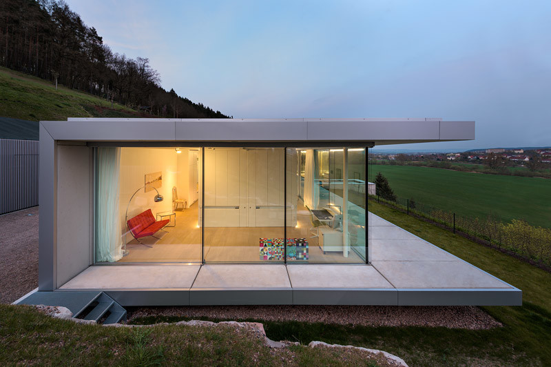 Home Und Design Innovative Sustainable Villa Built From Glass, Steel And ...