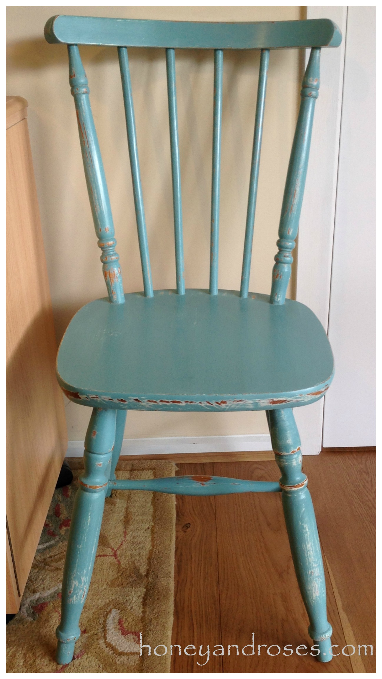 makeover of a pine kitchen chair using chalk paint teal kitchen chairs Makeover of a Pine Kitchen Chair using Chalk Paint