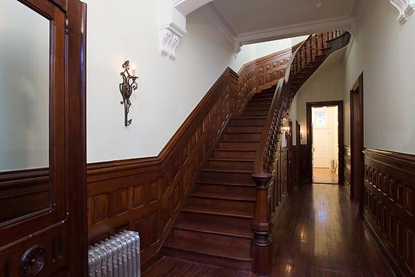 Entry1 Renovated Brick Amp Brownstone Mansion In Philadelphia