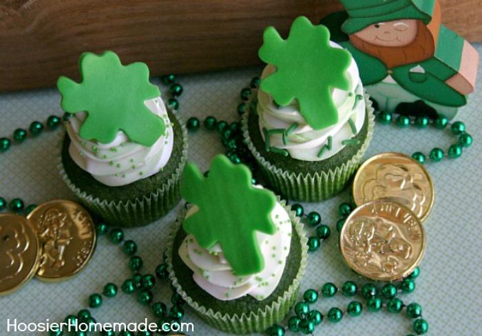 12 St Patrick\u0027s Day Cupcakes - Hoosier Homemade