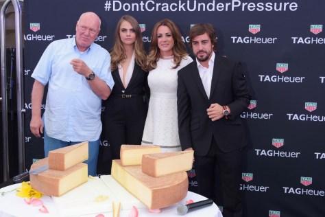 Jean-Claude Biver, CEO de TAG Heuer, Cara Delevingne, Natalie Pinkham y Fernando Alonso