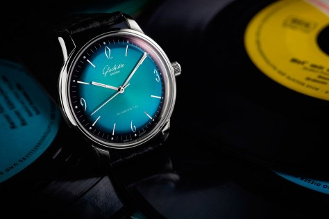 Glashütte Original Sixties Iconic Aqua amb