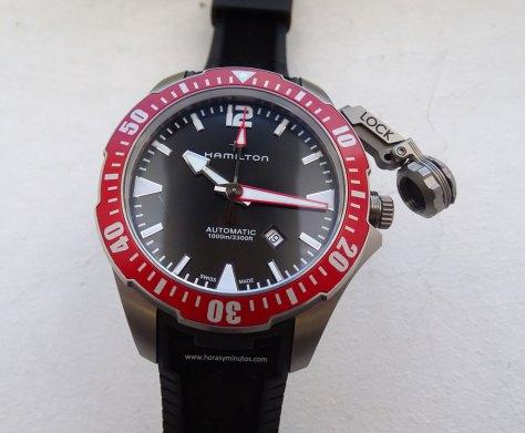 Hamilton-Khaki-Navy-Frogman-46-mm-lock-Horasyminutos
