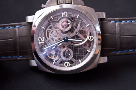 Lo-Scienziato-Luminor-1950-Tourbillon-GMT-Titanio-7-HorasyMinutos