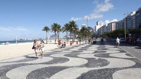 OMEGA-Seamaster-Diver-300M-Rio-2016-playa-Copacabana-Horasyminutos