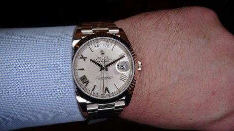Rolex Oyster Perpetual Day Date oro blanco esfera cuartos frontal Horas y Minutos