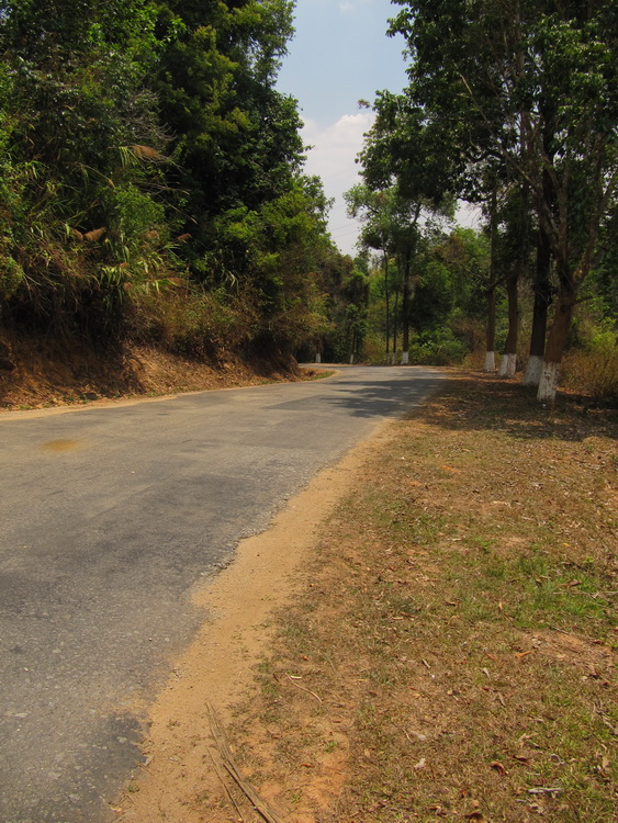 the old jing hong -menghai road