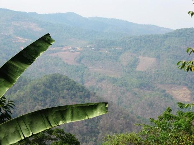 view across to aka zhai from near yang lin-ge deng