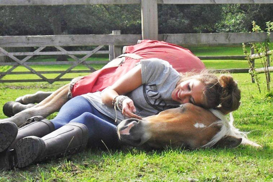 A British survey has revealed that most horsewomen would rather spend time with their horse than their partner on Valentine's day.